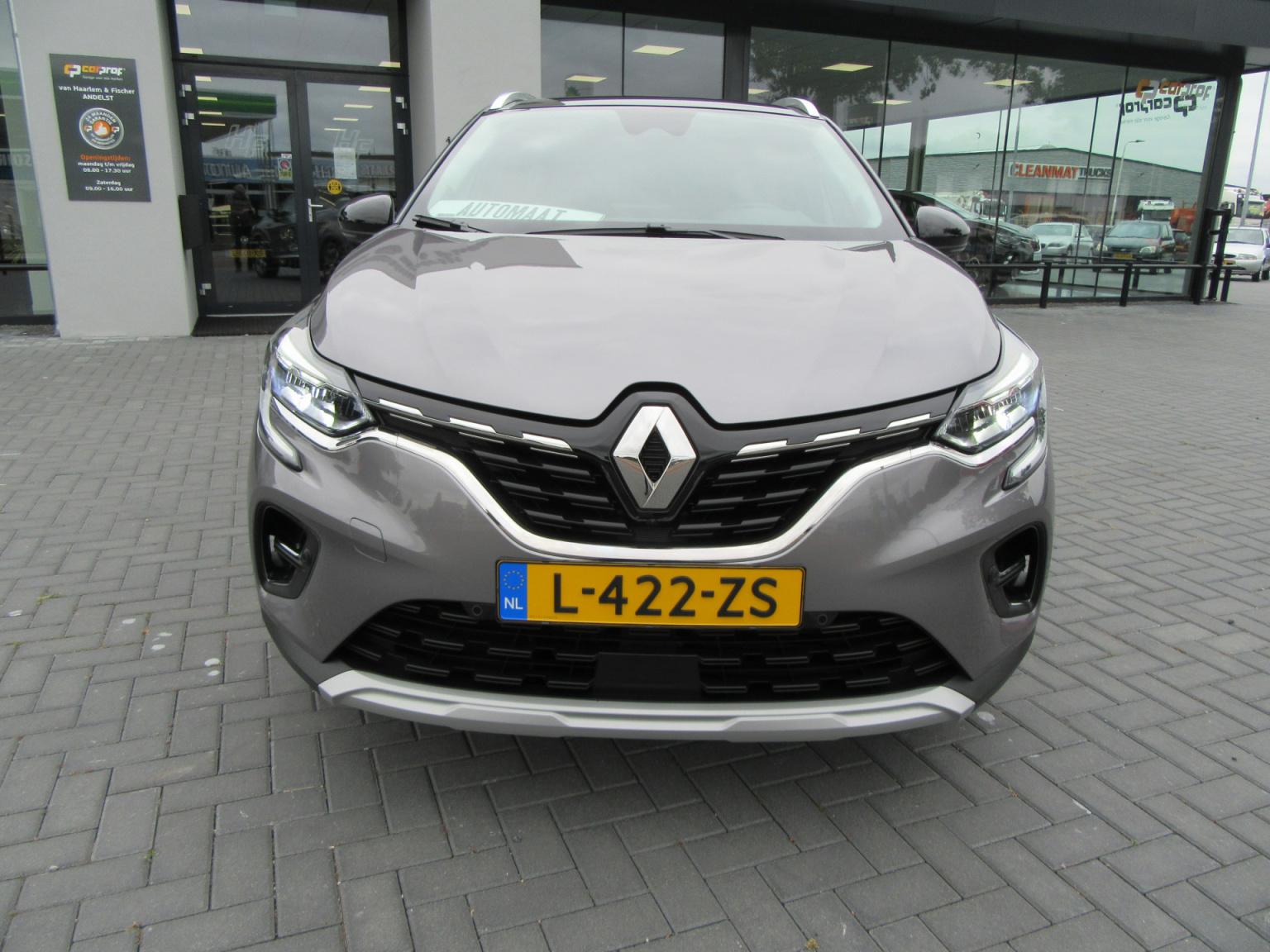 Renault-Captur-5