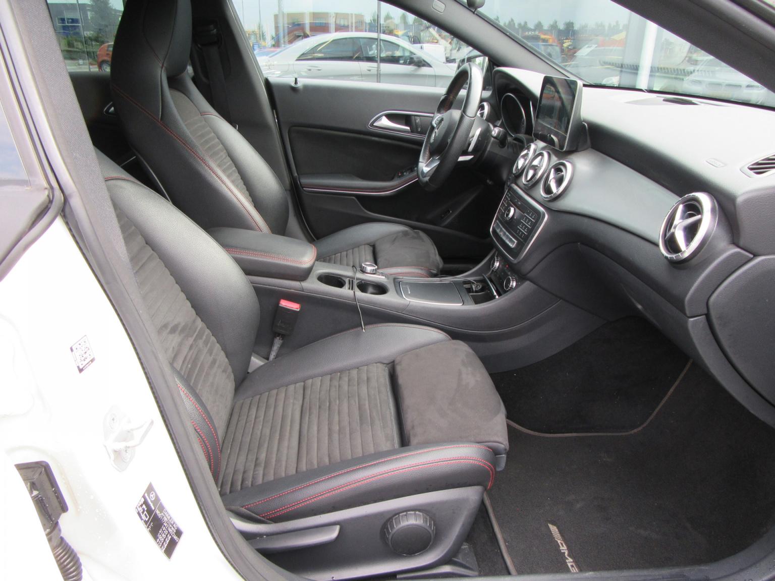 Mercedes-Benz-CLA-Klasse-14