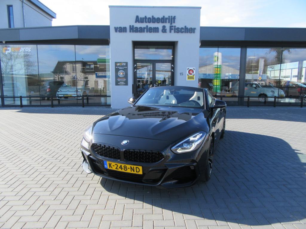 BMW-Z4-thumb