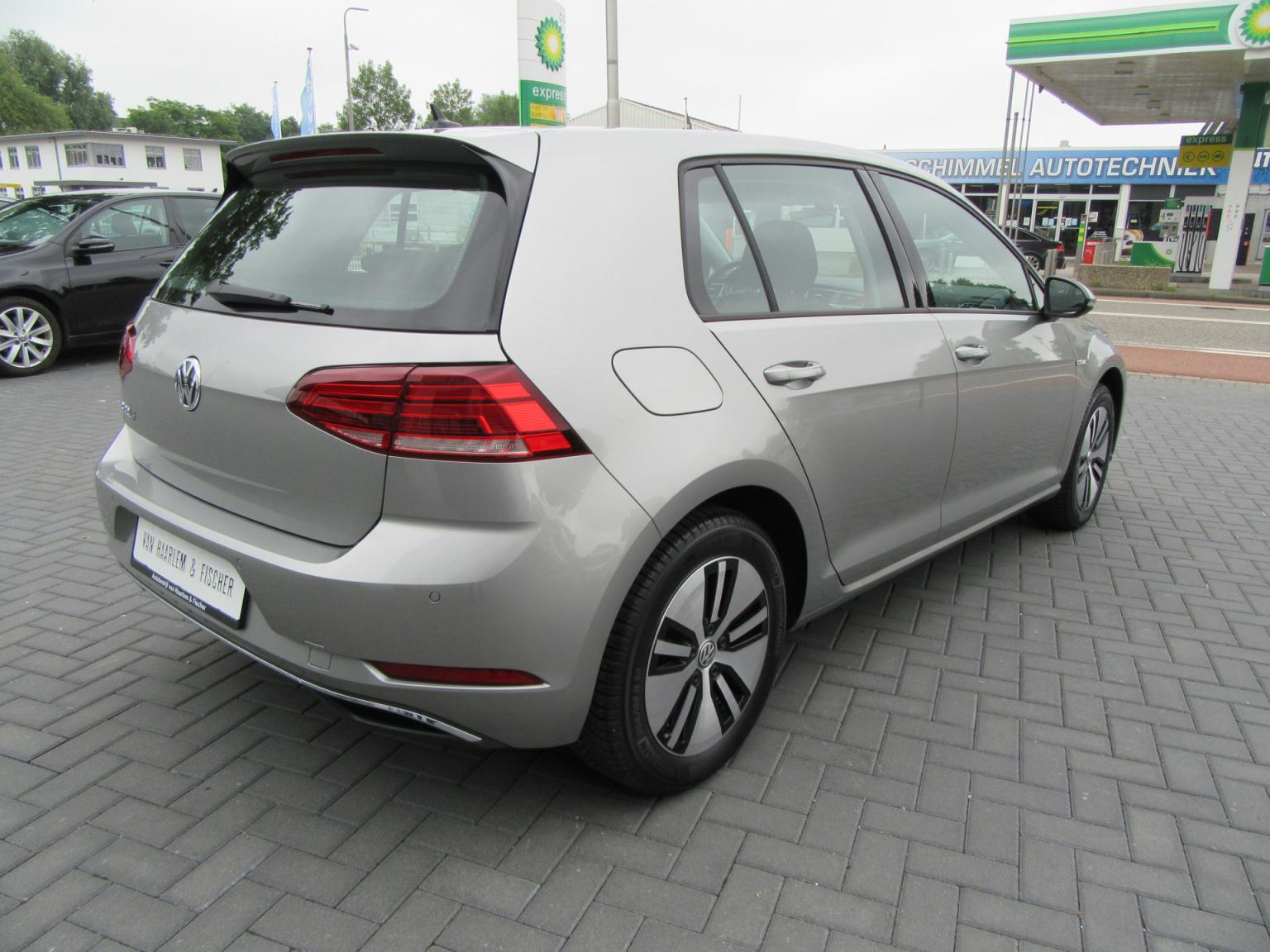 Volkswagen-e-Golf-3