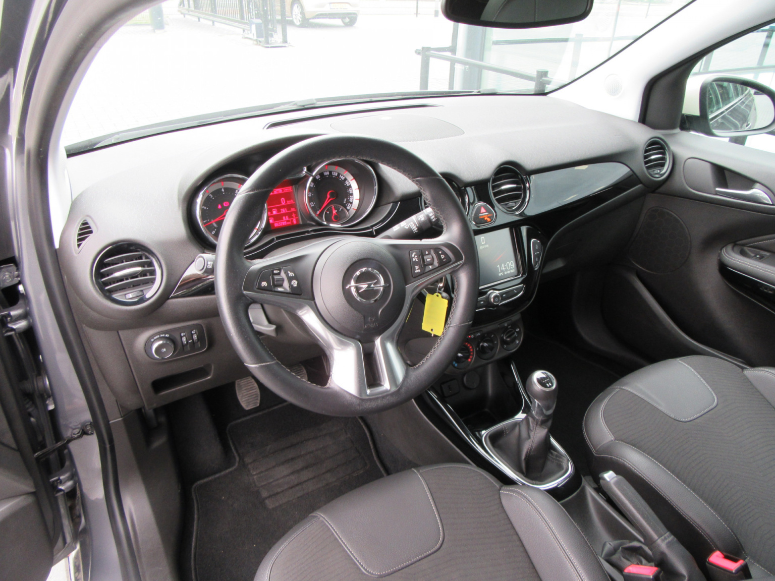 Opel-ADAM-17