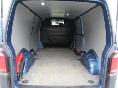 Volkswagen-Transporter-20