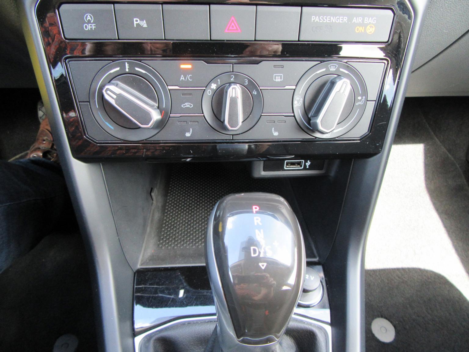 Volkswagen-T-Cross-11