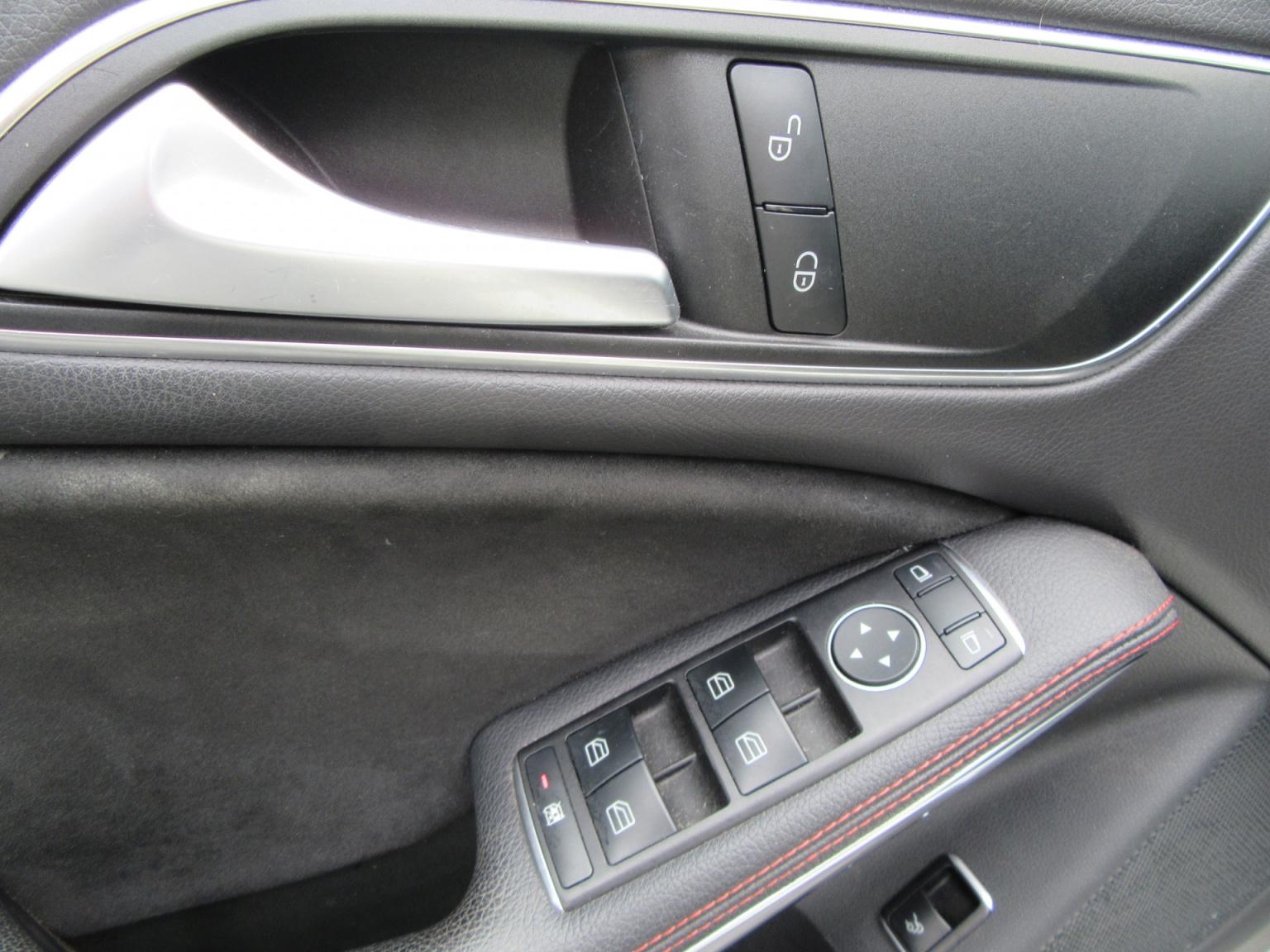 Mercedes-Benz-CLA-Klasse-18