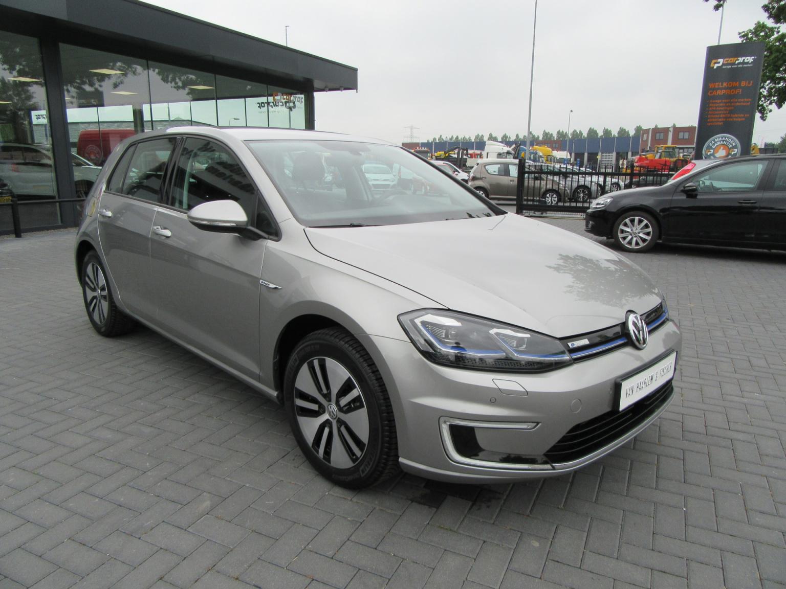 Volkswagen-e-Golf-1
