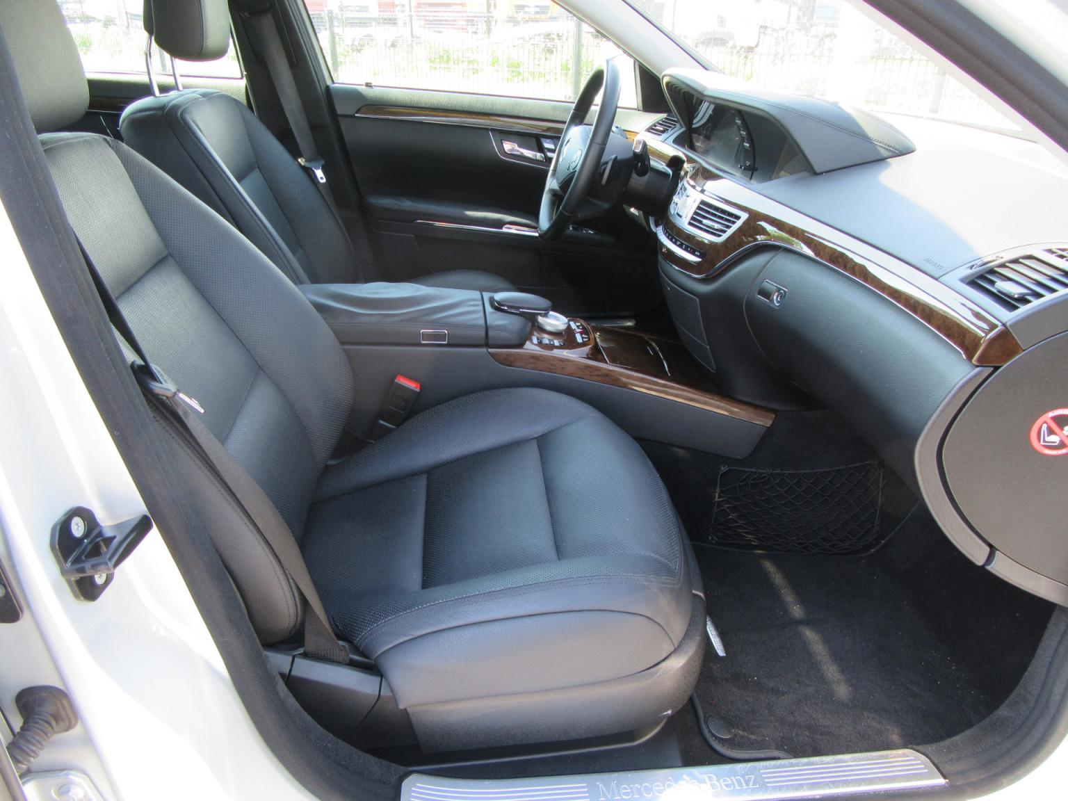Mercedes-Benz-S-Klasse-13