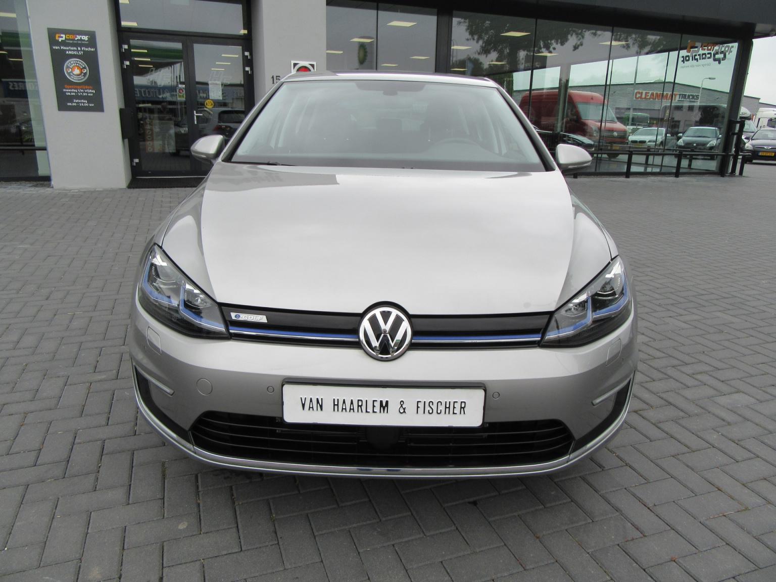 Volkswagen-e-Golf-5