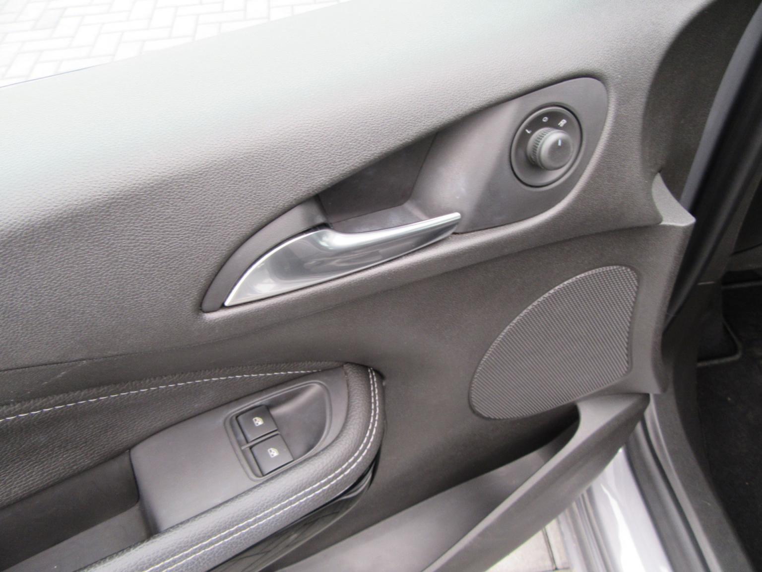 Opel-ADAM-21