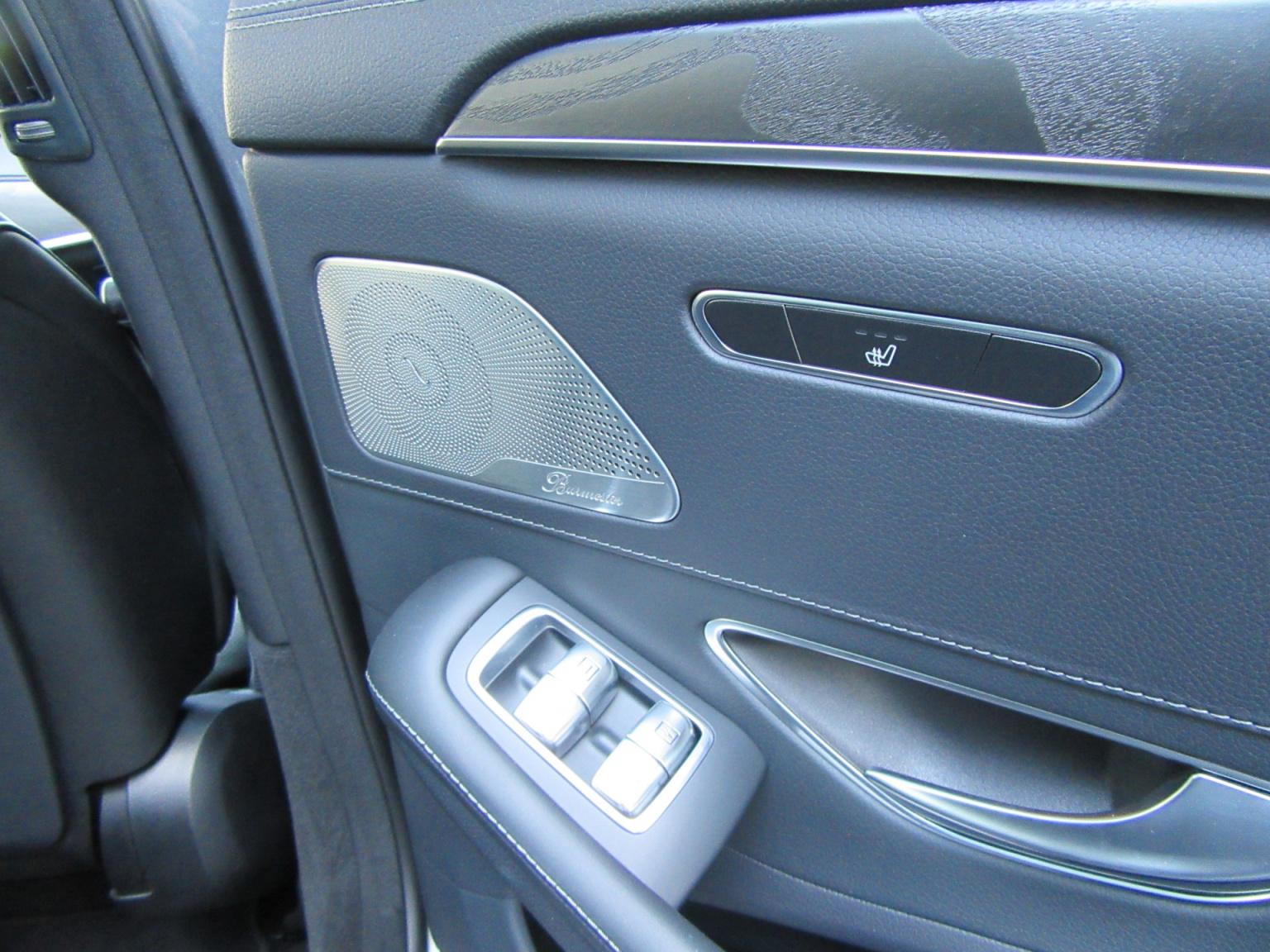 Mercedes-Benz-S-Klasse-26